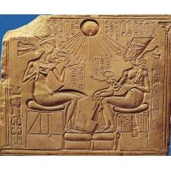 Akhénaton et la première guerre de religion monothéiste
